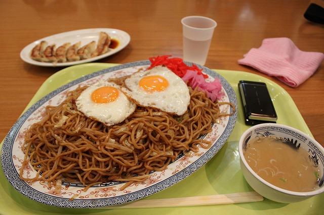 仙台、「北京餃子」ちょっとしたデカもり状態の焼きそば
