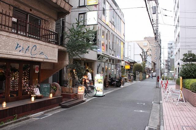 吉祥寺、「音麺酒家 楽々(おとめんしゅか らくらく)」のラブメン