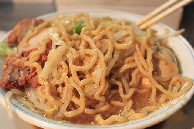下高井戸、二郎系「ラーメン大」のごわっとした麺