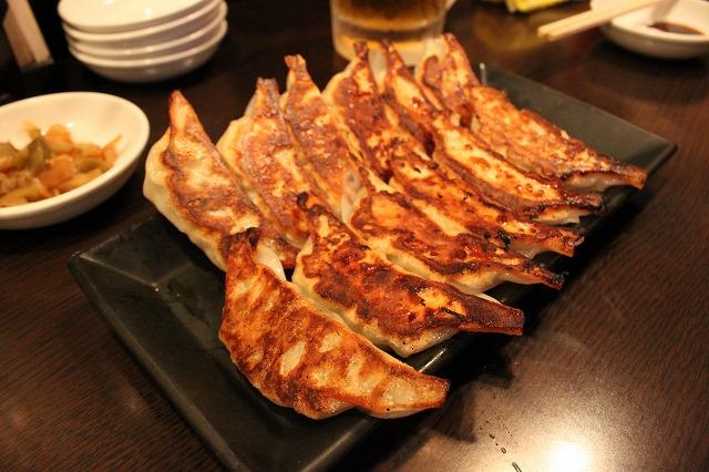 高円寺、「餃子バル」の餃子餃子