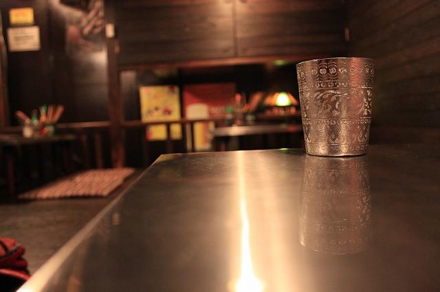 西荻窪、「ハンサム食堂」のテーブル席