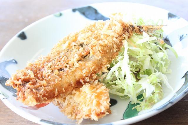 三浦海岸、「レストランKANEDA (かねだ)」のサヨリとスズキ