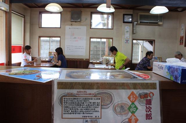 宮城県柴田町、「みそまる麺次郎」の店内