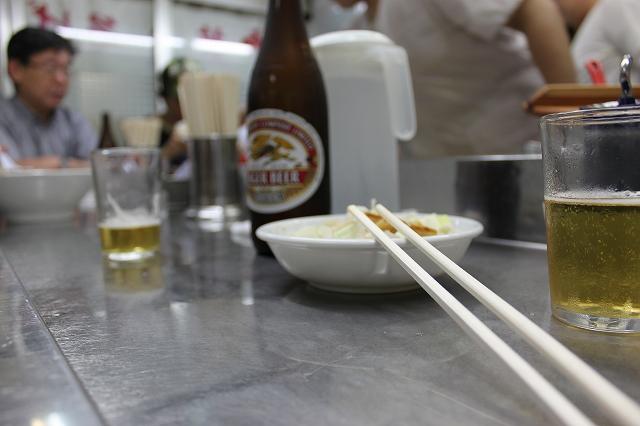 【ラー飲み】通いたがる理由がそこにはある、中華そば みたかの店内
