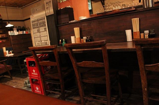 代田橋、「しゃけ小島」の上しゃけ定食といくら丼、素敵なカウンター