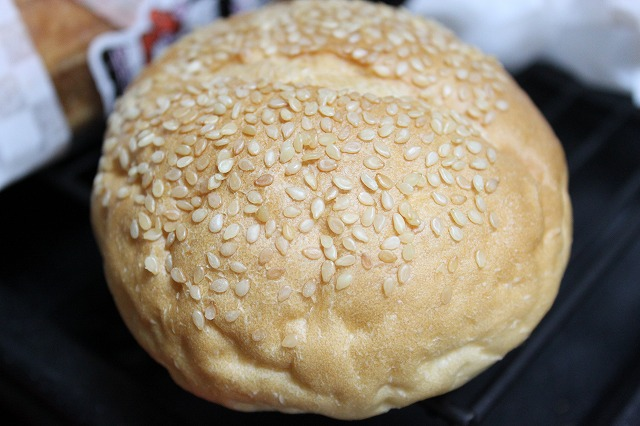 バウンスキッチンのハンバーガーをつくってみた。パン!
