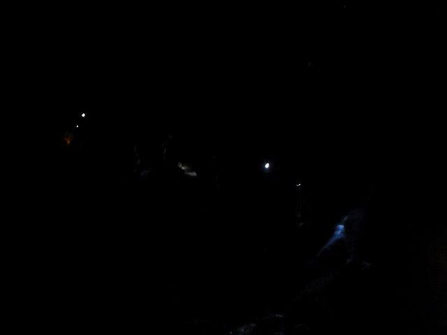 そうだ、富士樹海で洞窟探検しよう-暗闇洞窟