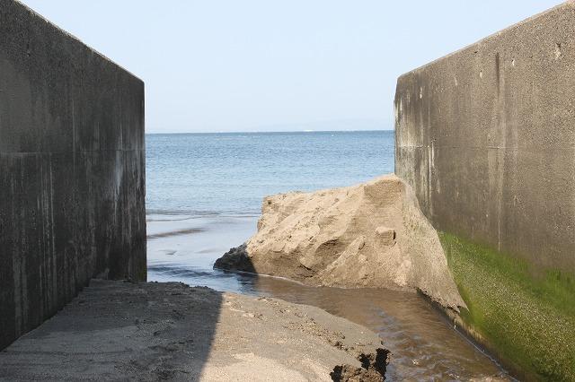 三浦海岸、「XJAPAN hideのお墓参り」海ー