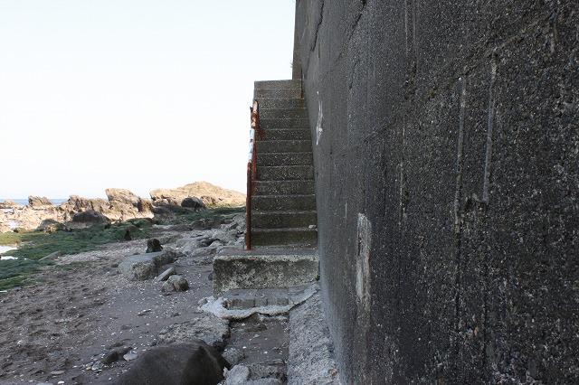 三浦海岸、「XJAPAN hideのお墓参り」階段
