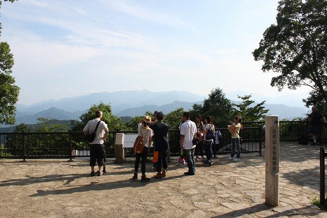 登山者数世界一、「高尾山」の自然研究路6号路を歩いてきた。
